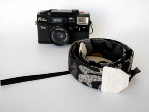 Black DSLR camera strap, long, Japanese print