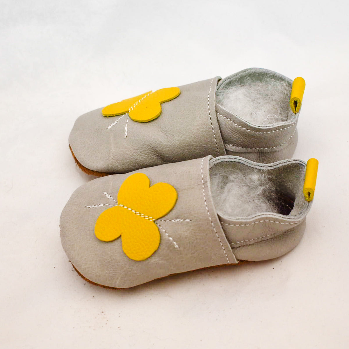 Soft soled leather shoes - Medium (6 - 12 months)