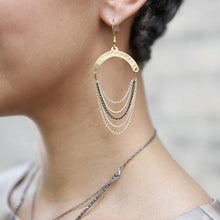 Load image into Gallery viewer, Dripping Chain Earrings
