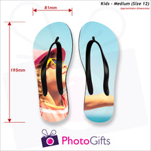 Load image into Gallery viewer, Dimensions of Medium kids sized personalised flip-flops with your own choice of image as produced by Photogifts.co.uk