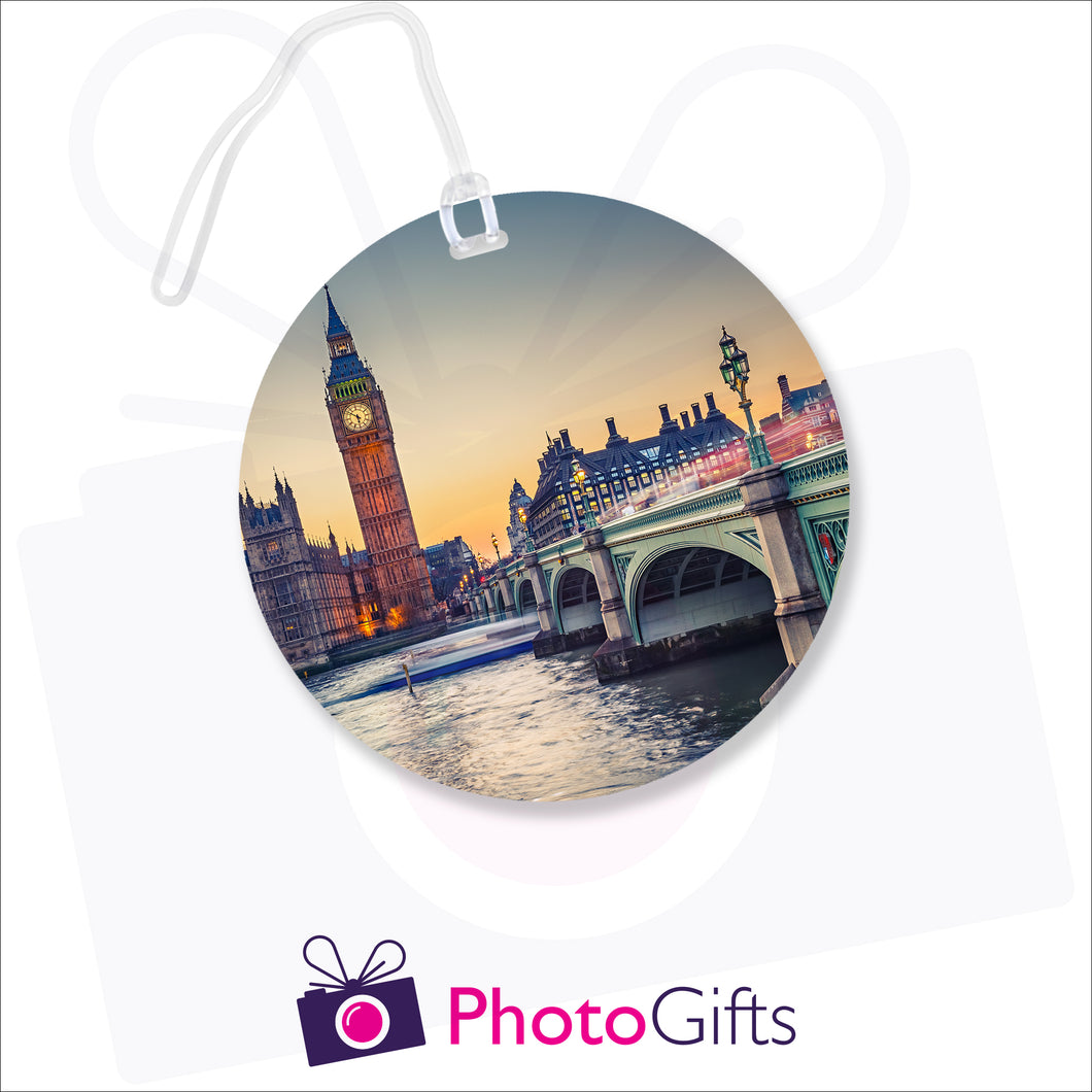 Personalised round luggage tag with your own choice of image as produced by Photogifts.co.uk