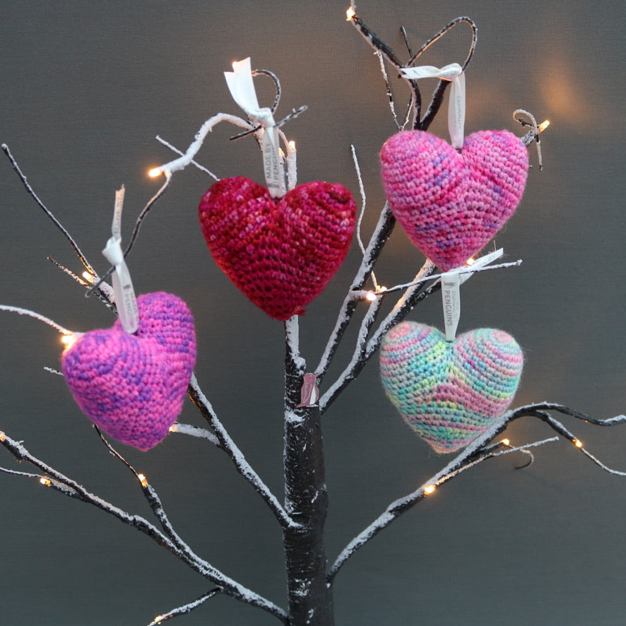 Free DK Heart Bauble Pattern (UK TERMS)