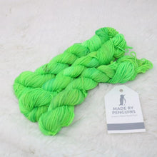 Load image into Gallery viewer, Lime- Merino MINI (4PLY)