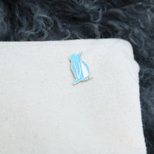 Load image into Gallery viewer, Blue/Glitter Penguin Pin (Jesse)
