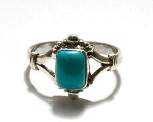 Square Sleeping beauty Ring