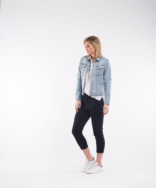 Olivia Jacket. Denim Light Blue