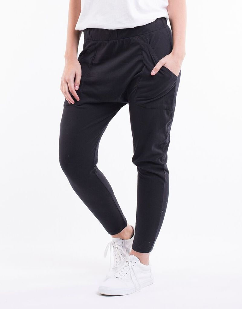 Pant Weekender. Washed Black