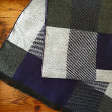 Load image into Gallery viewer, Geometric Check Scarf