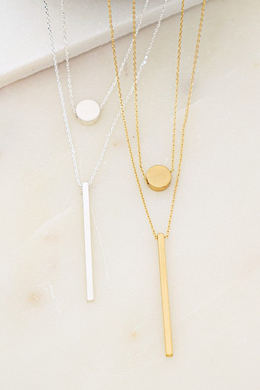 TWO LAYER CIRCLE AND STICK CHARM NECKLACE