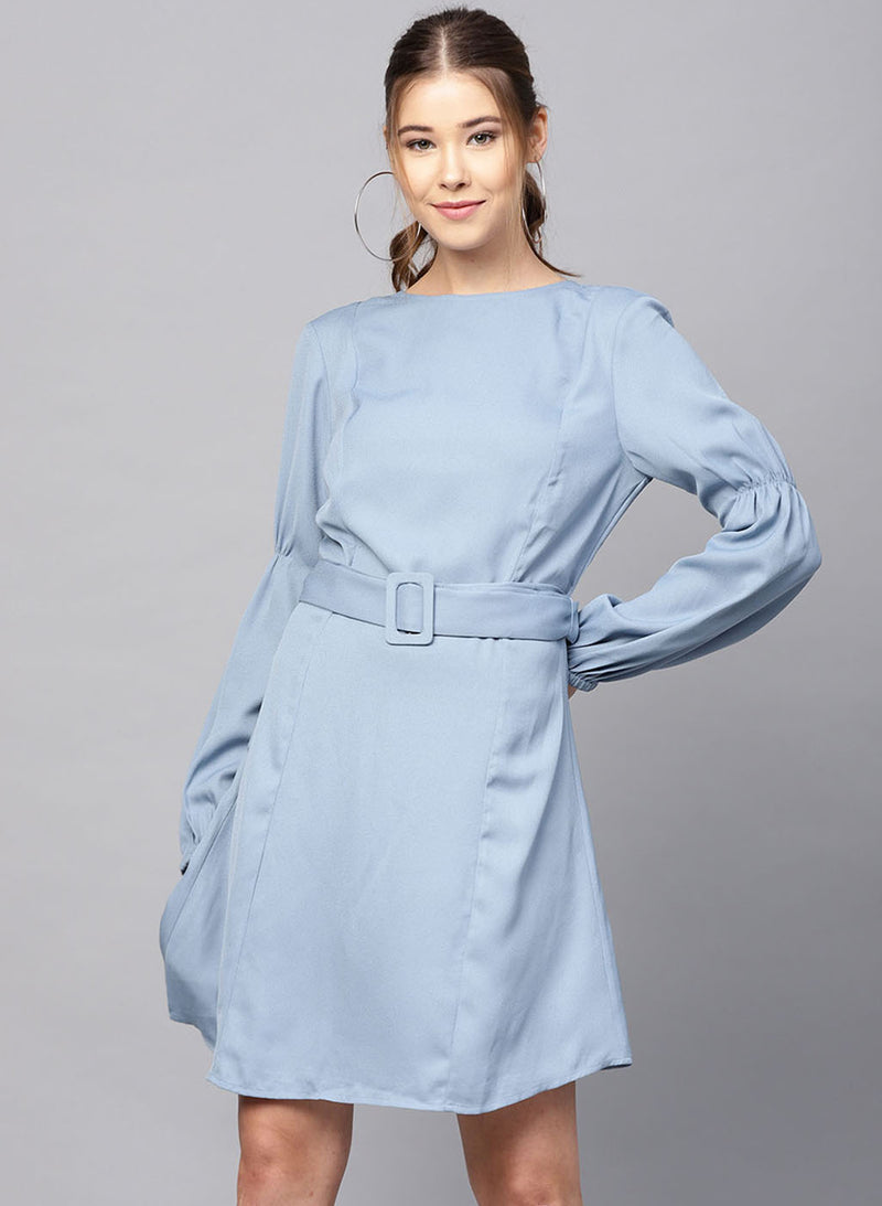 Dress With Waist Tie-Up Buckle