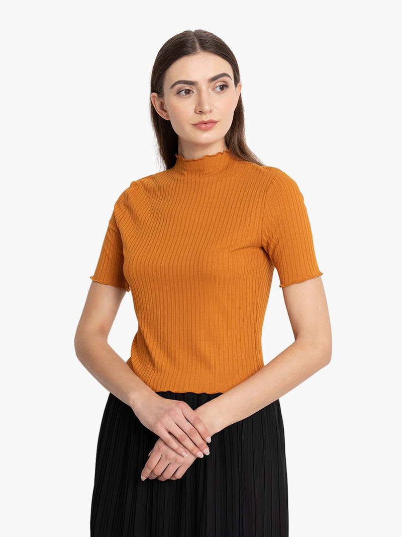 Lettuce Hem Crop Top (Additional 20% OFF)