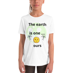 The earth is one  T-Shirt V3SH