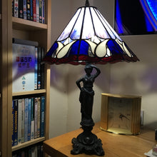 Load image into Gallery viewer, Tiffany Style Lamp Shades