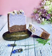 Load image into Gallery viewer, Zemala Natur'el Herbal Soap Bars Lavender Walnut Apple Lover Soap Bar