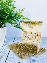 Load image into Gallery viewer, Zemala Natur'el Herbal Soap Bars Spirulina Apple Soap Lover Gift Box