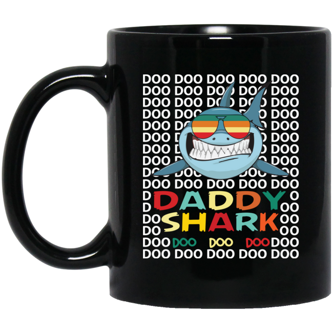 Daddy Shark Retro Black Mug