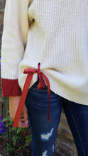 Load image into Gallery viewer, Ribbon Sweater