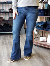 Load image into Gallery viewer, Alexa Petite Flare Jeans