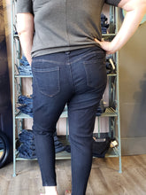 "Load image into Gallery viewer, ""Ab""solution Booty Lift Jegging - Ext. Sizes"