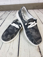 Load image into Gallery viewer, Gypsy Jazz Heather Sneaker - Camo