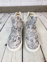 Load image into Gallery viewer, Josie Snake Skin Sneaker