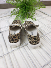 Load image into Gallery viewer, Gypsy Jazz Holly Sneaker - Leopard