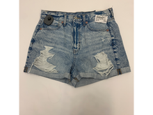 Load image into Gallery viewer, American Eagle Shorts Size 7/8