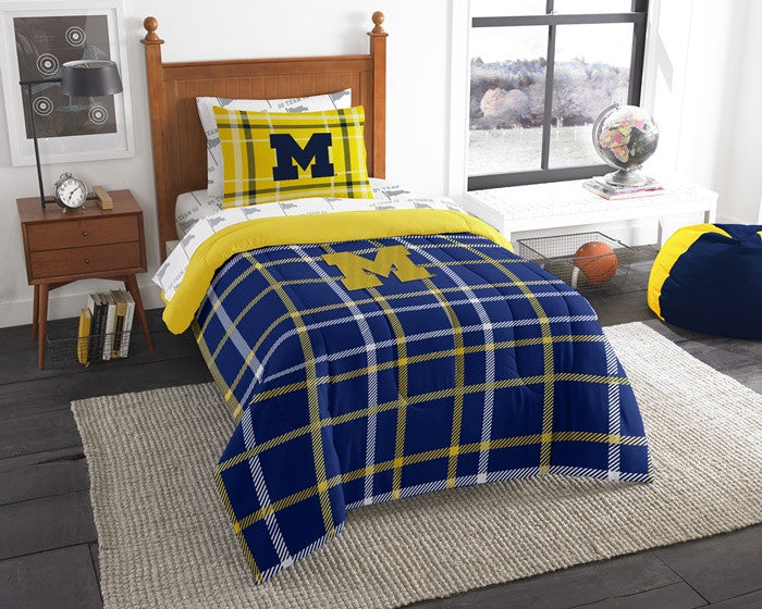 Michigan Wolverines Twin Bed-in-a-Bag with Sheets