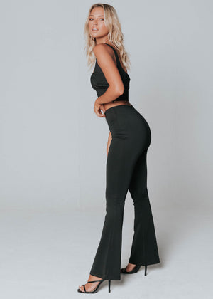 Kitana Bootleg Pants - Black