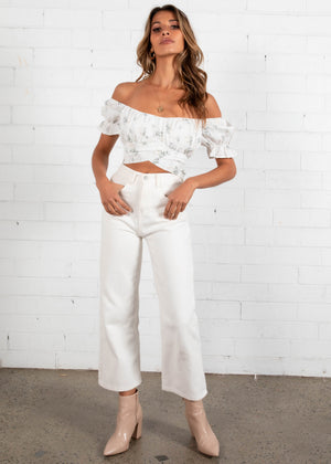 Wild Card Crop - White Floral