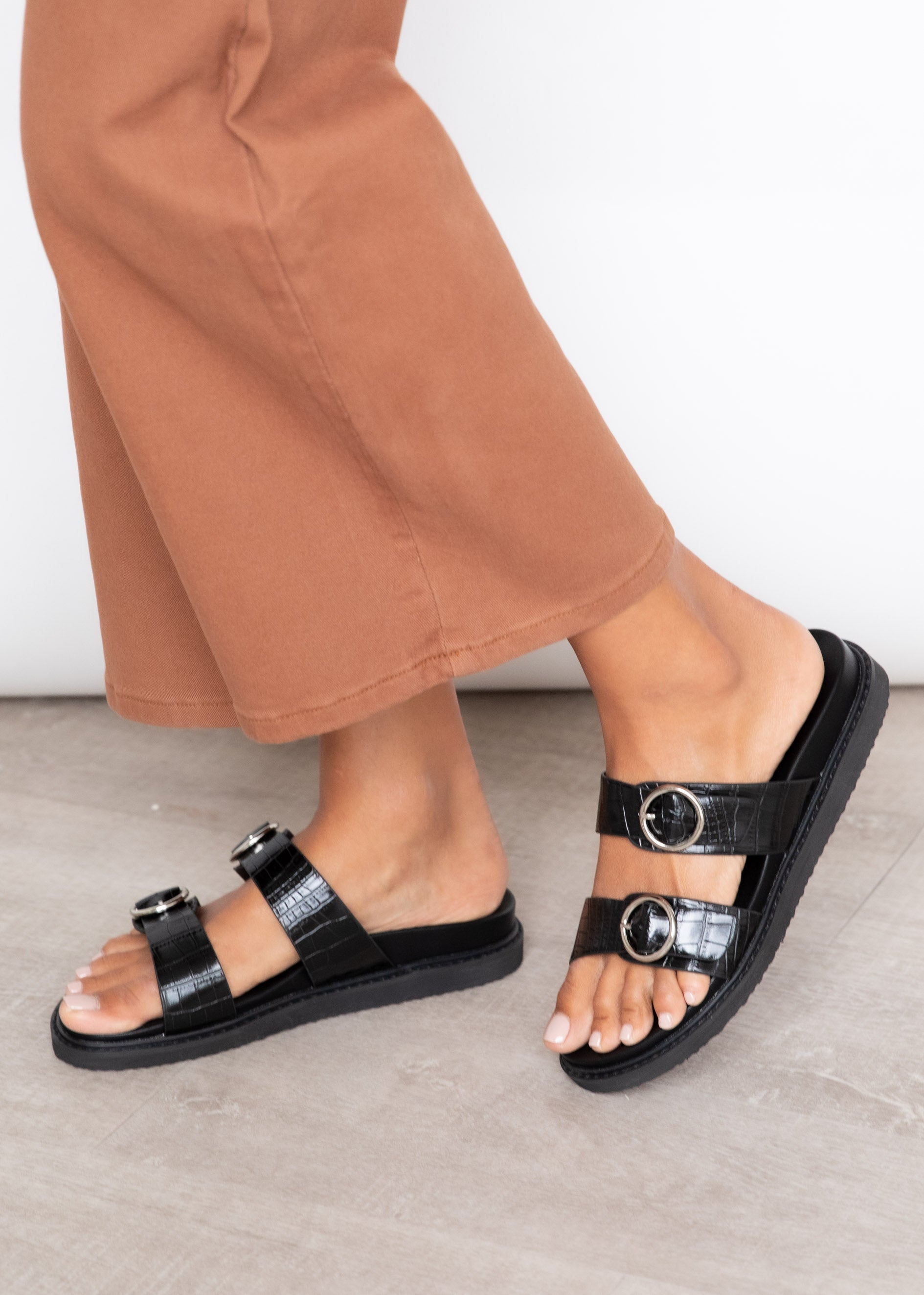 Ziba Slide - Black Clay Croc
