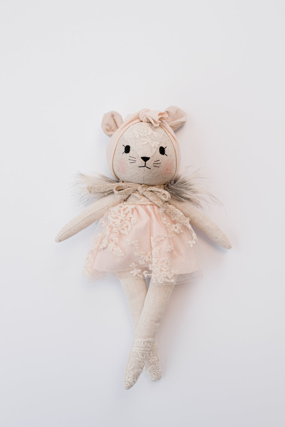 MOUSE WITH POWDER PINK DRESS