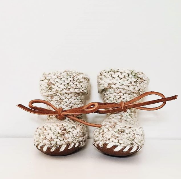 BOOTIES Prairie Sage with leather soles and ties