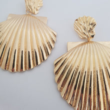 Load image into Gallery viewer, Gold plated Large Shell Earrings
