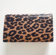Load image into Gallery viewer, Leopard Twist Clasp Bag