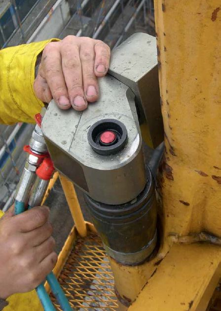 Square Drive Hydraulic Torque Wrench - GEDORE (LDH)