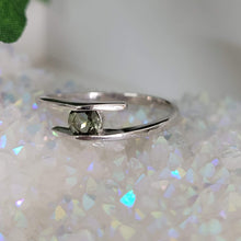 Load image into Gallery viewer, 4mm faceted Moldavite Ring