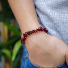Load image into Gallery viewer, Garnet Crystal Chip Bracelet