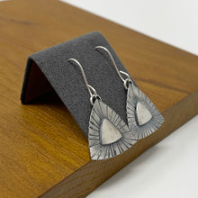 Load image into Gallery viewer, Nostalgic Deco Drop Earrings