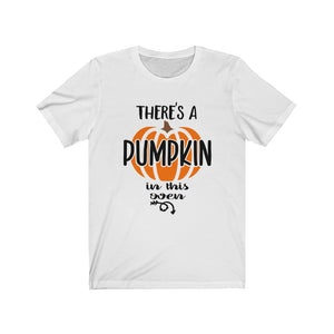 There's a pumpkin in this oven, Halloween maternity shirt, Halloween pregnancy shirt, Maternity Halloween shirt, funny maternity shirt, Maternity Halloween costume, fall baby announcement shirt, funny maternity shirt for fall, baby reveal shirt for Dad