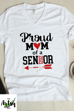 Proud mom of a 2020 senior t-shirt, graduation photos shirt, mom of a graduate t-shirt senior mom shirt, gradution party shirt