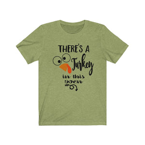 There's a turkey in this oven, baby reveal shirt for Mom, Fall maternity shirt, Thanksgiving pregnancy shirt, Maternity thanksgiving shirt, funny maternity t-shirt, Fall Maternity apparel