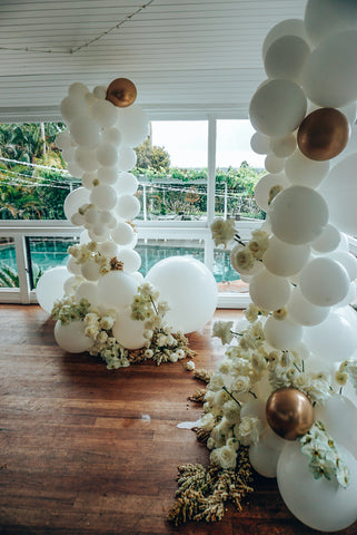 byron bay weddings balloon arbour