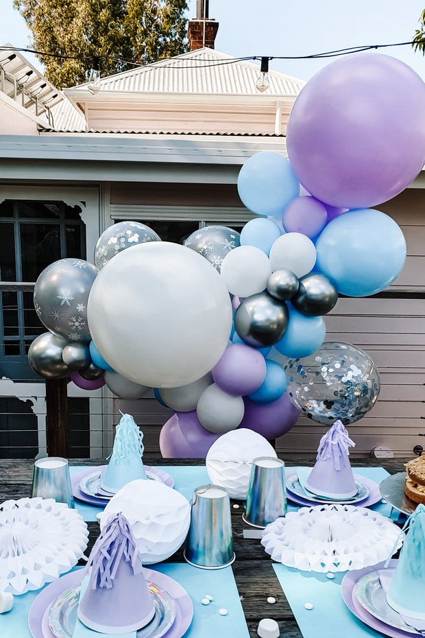 Party Box - Elsa (5 People) - [Bang Bang Balloons Byron Bay]