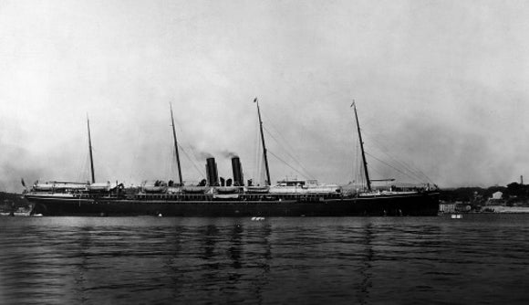 OCEANA at anchor