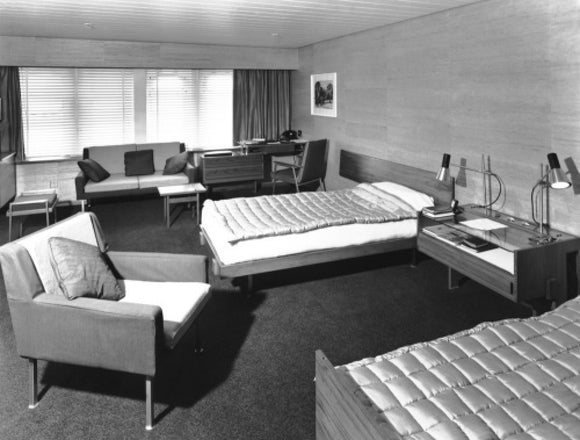 CANBERRA's First Class deluxe cabin