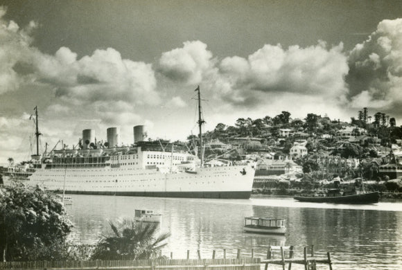 STRATHNAVER in the Brisbane River