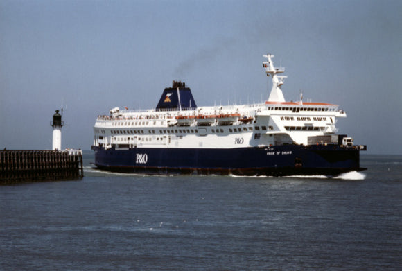 PRIDE OF CALAIS entering harbour