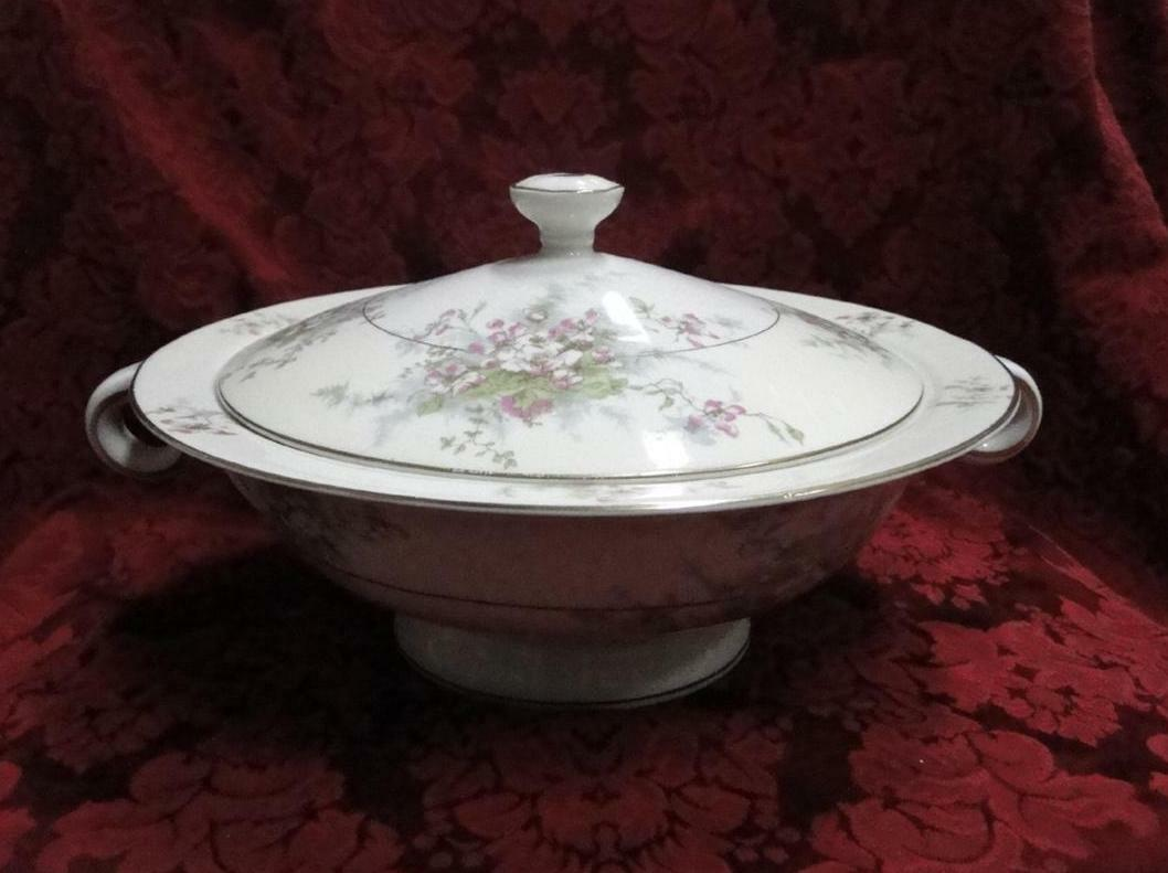 Haviland (New York) Apple Blossom: Round Covered Vegetable Bowl 9 1/2""