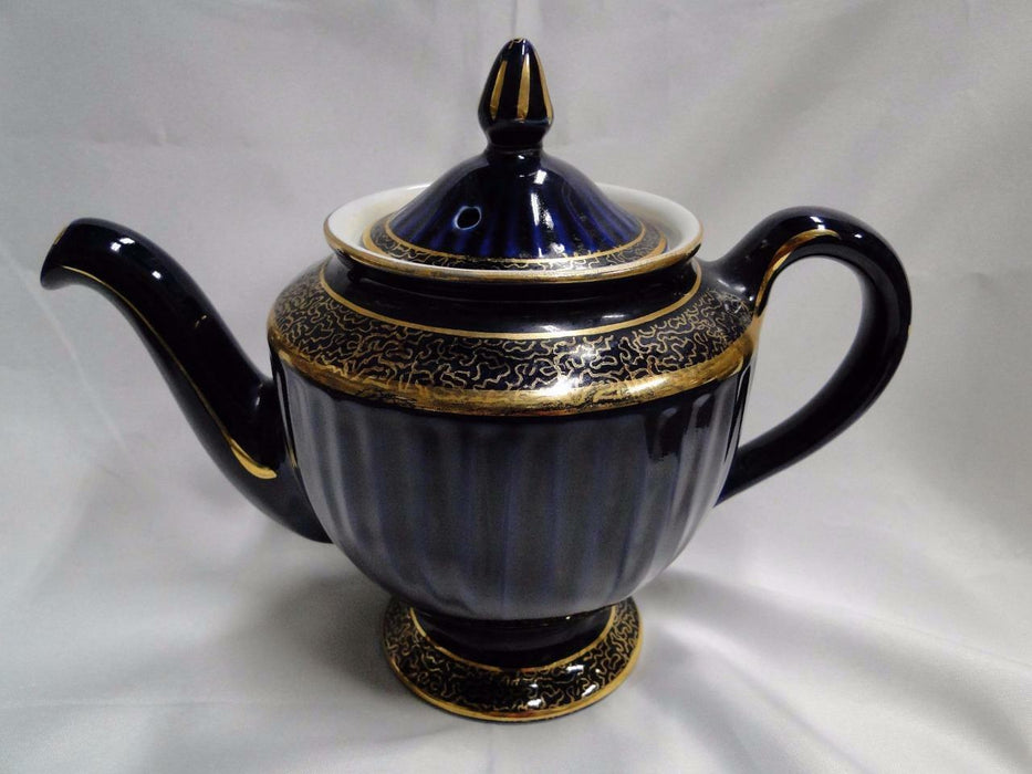 "Hall Blue with Gold: Teapot with Lid (083), 6 cup 5 1/2"" AS IS"
